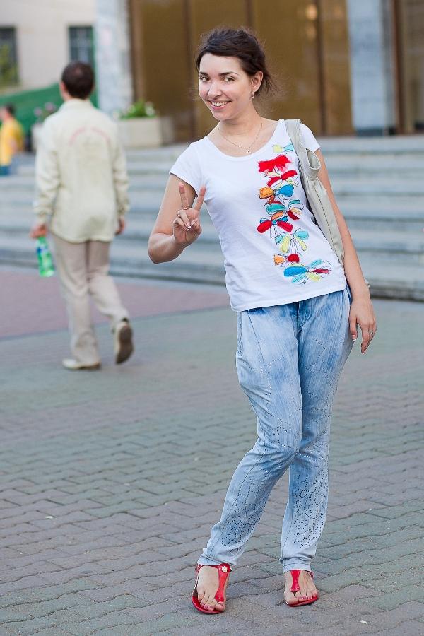 Вы просматриваете изображения у материала: Июньский выход Hab Street Style